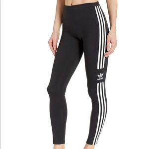 Adidas Originals Trefoil Leggings in Black